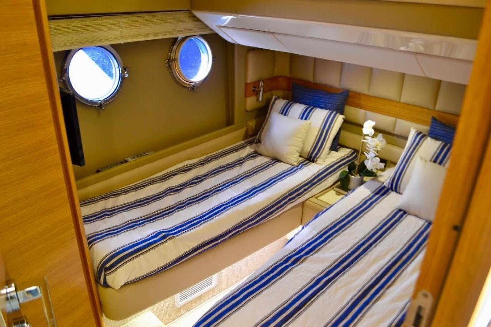 2014 Azimut 64' Flybridge Fair Niente | Picture 3 of 30