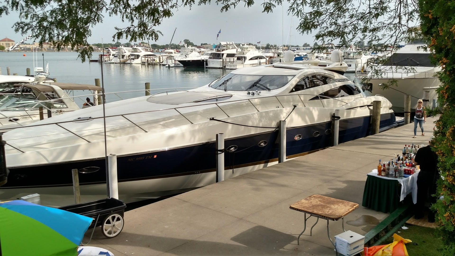 2000 Sunseeker 75' 75 Predator  | Picture 1 of 14