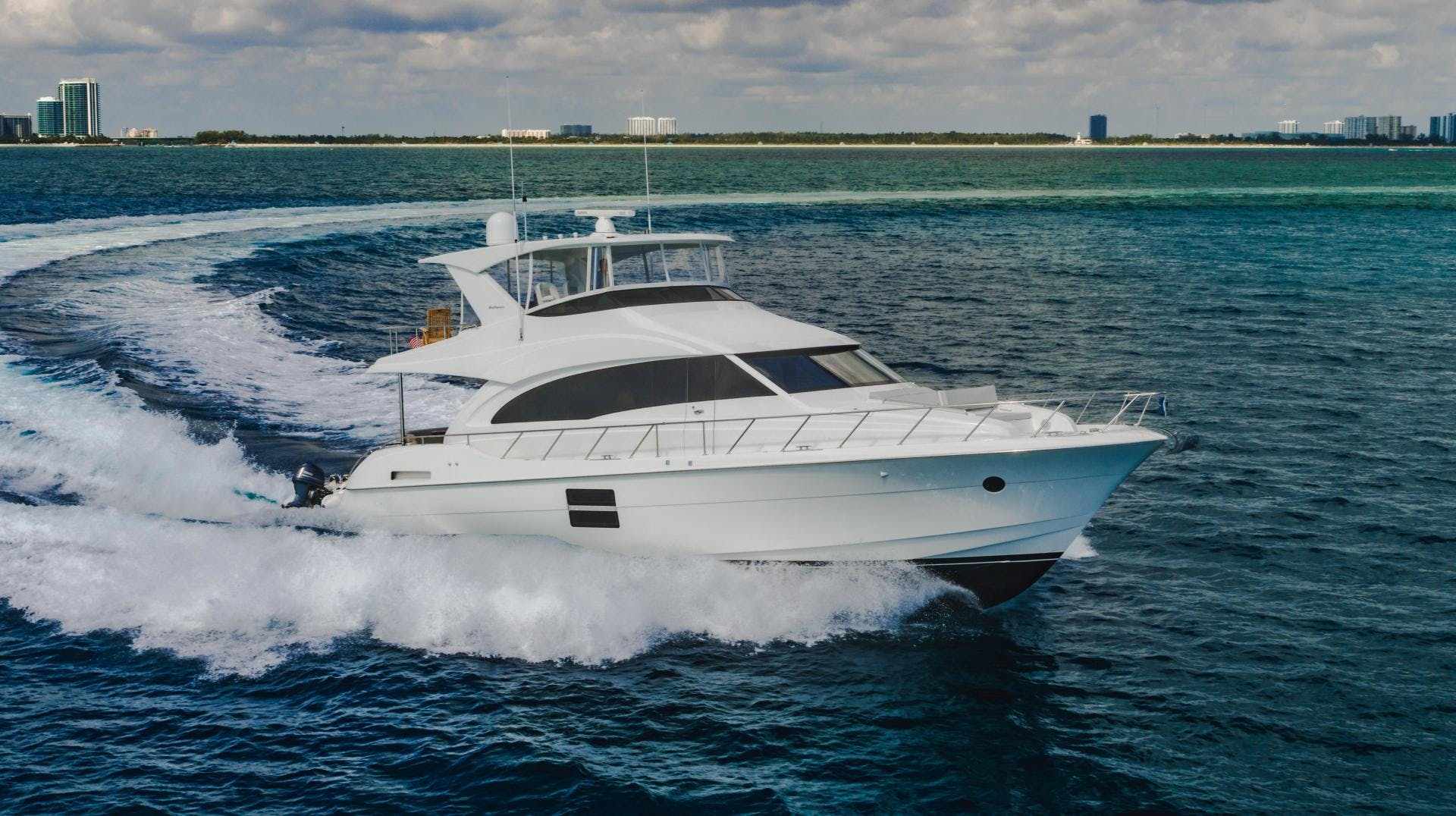 2019 Hatteras 60' M60 FREEDOM | Picture 2 of 78