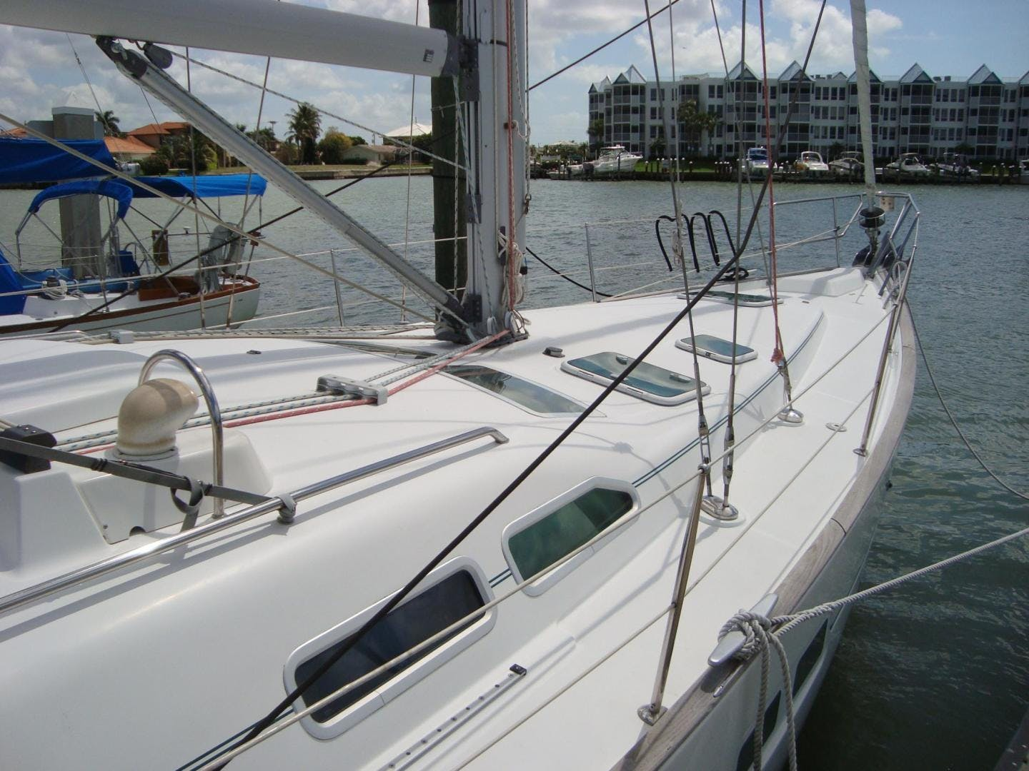 2004 Beneteau 42' 423 PRECIOUS TIME | Picture 7 of 31