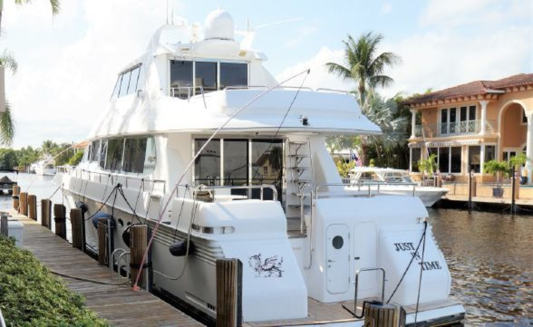 2001 Hatteras 65'  RENEGADE | Picture 2 of 4