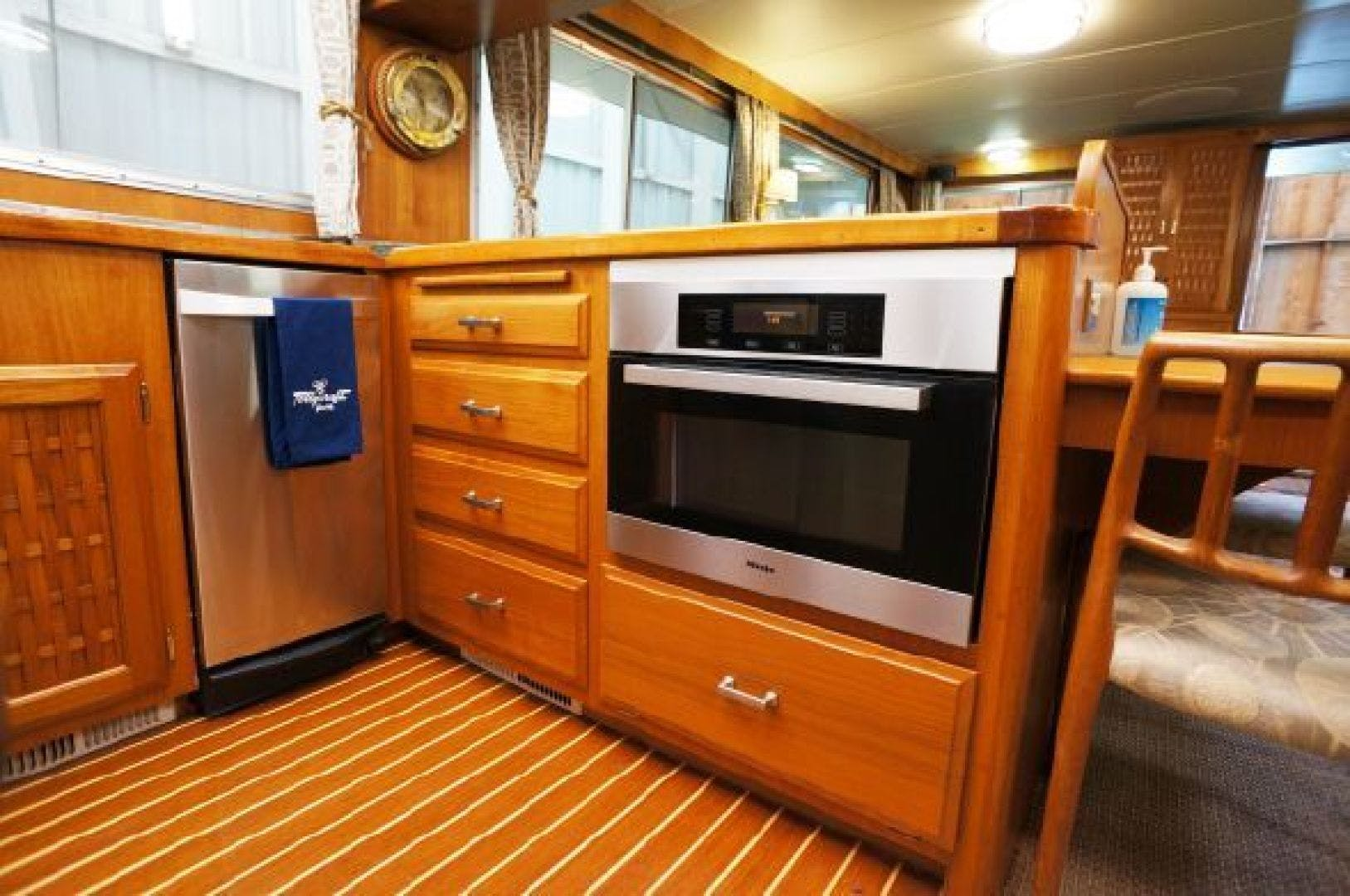 1983 Tollycraft 61' 61 Motor Yacht The Great Escape | Picture 6 of 31