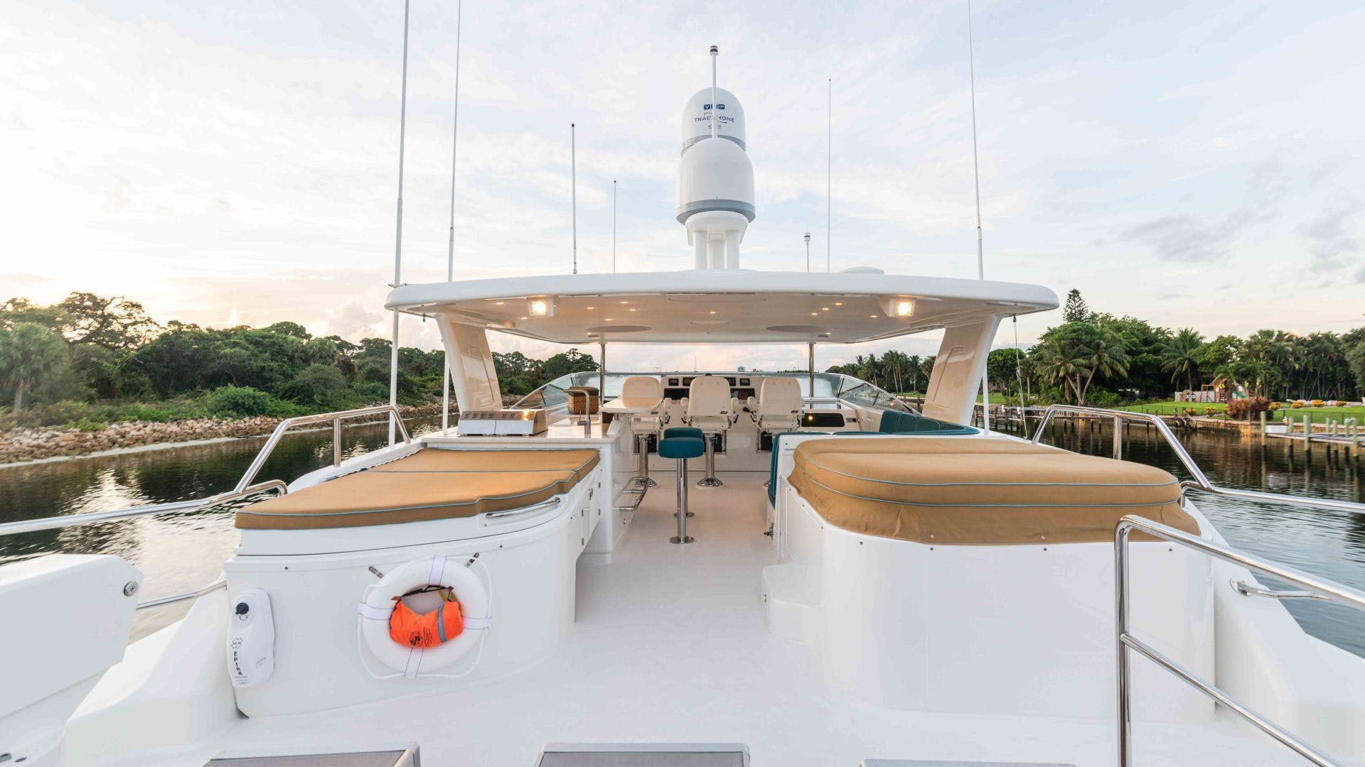 2013 Pacific Mariner 85'  SEAS THE MOMENT   Picture 7 of 124