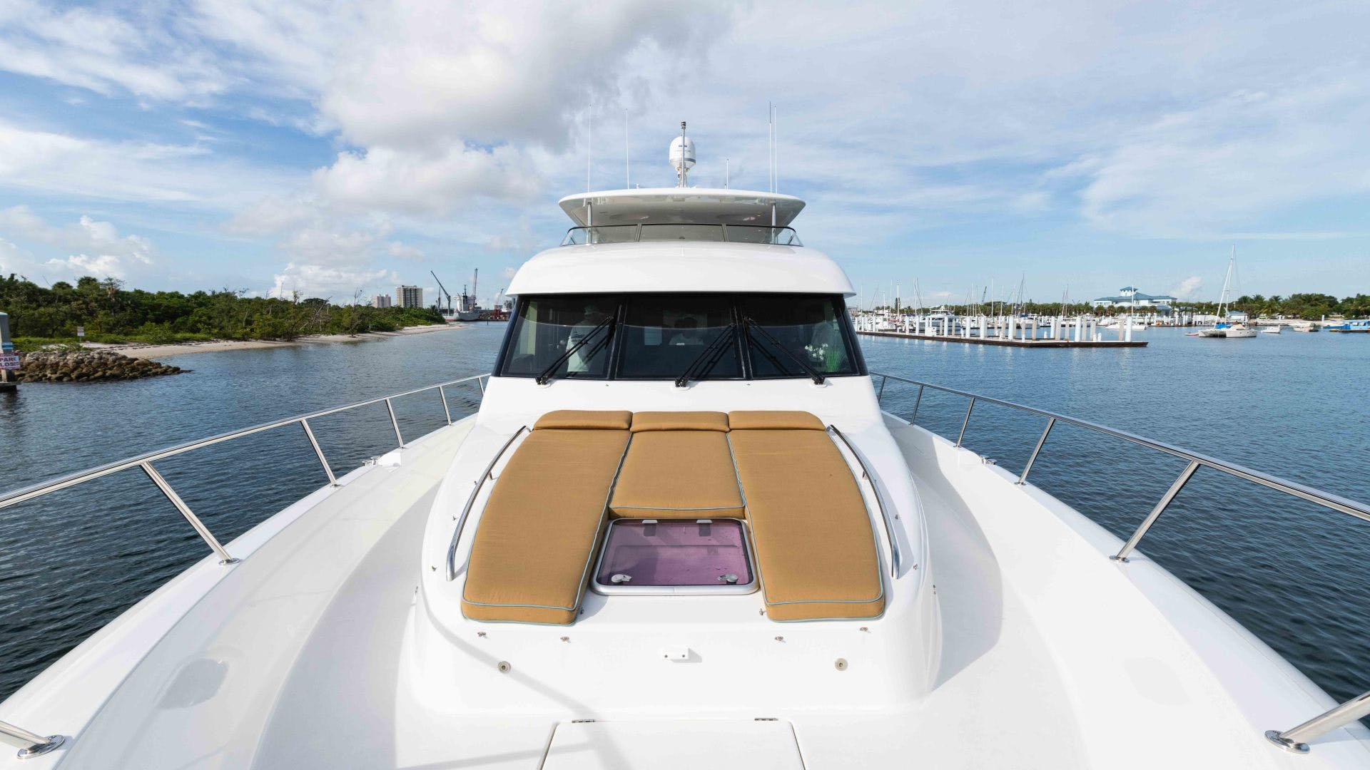 2013 Pacific Mariner 85'  SEAS THE MOMENT   Picture 1 of 124