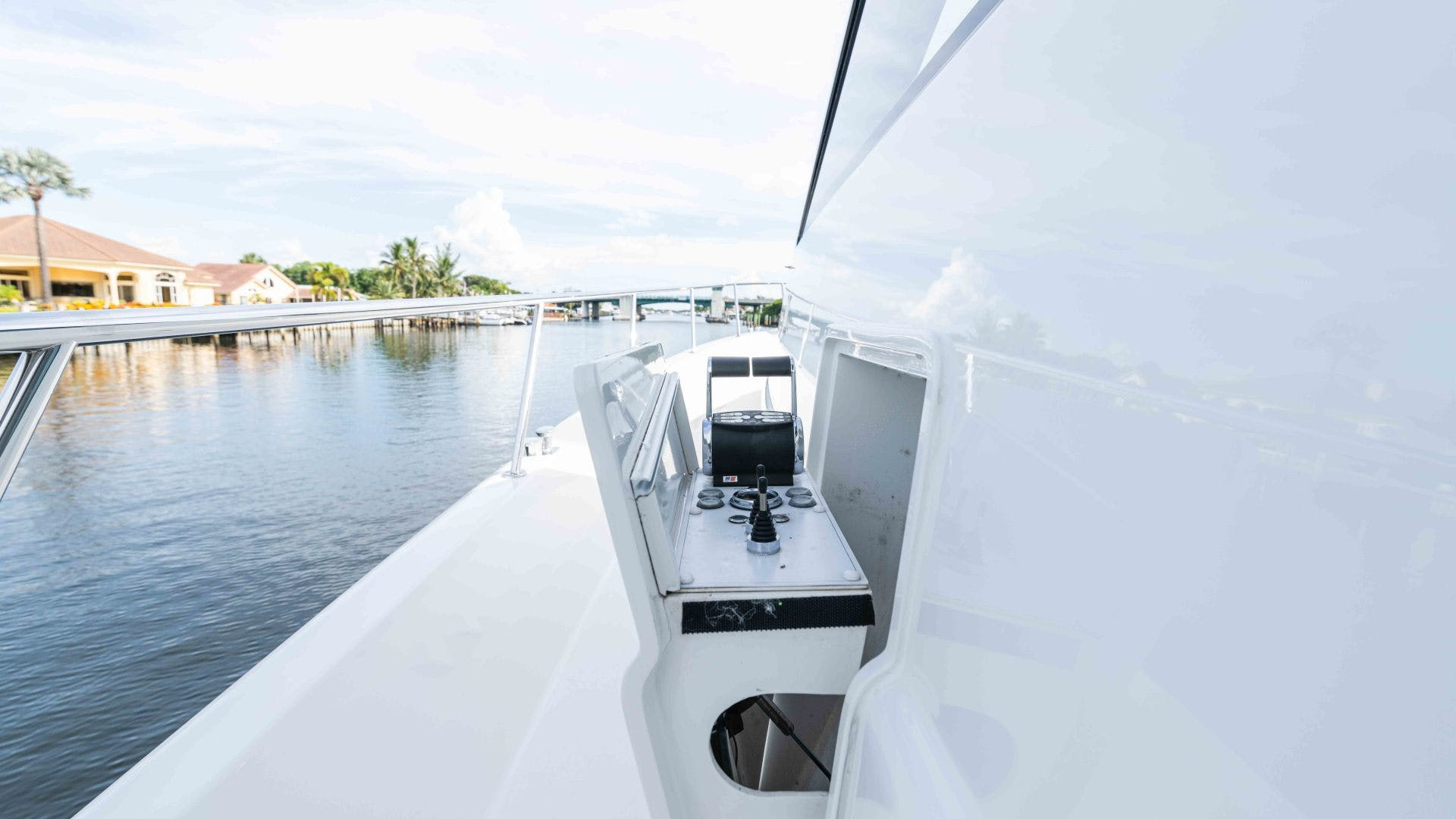 2013 Pacific Mariner 85'  SEAS THE MOMENT   Picture 5 of 124