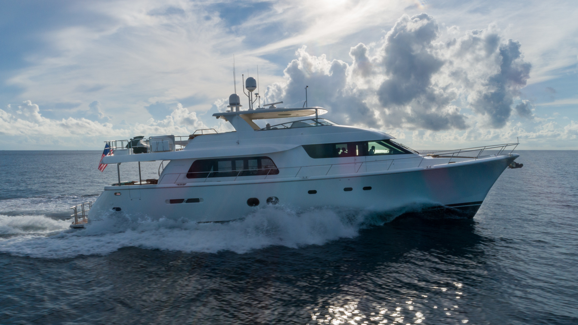 85' Pacific Mariner 2013  SEAS THE MOMENT