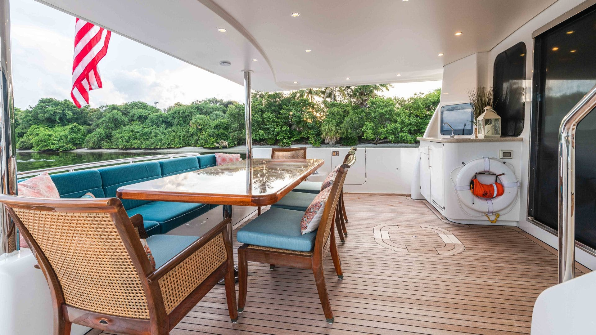 2013 Pacific Mariner 85'  SEAS THE MOMENT   Picture 4 of 124