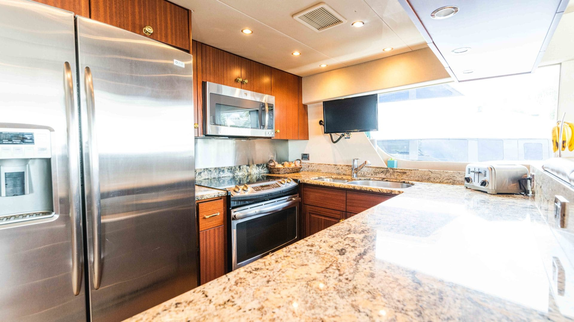 2013 Pacific Mariner 85'  SEAS THE MOMENT   Picture 3 of 124