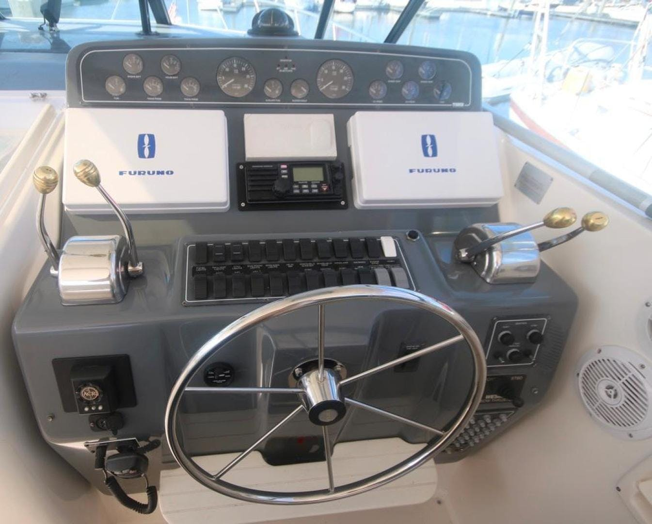 2001 Tiara Yachts 41'     Picture 7 of 12