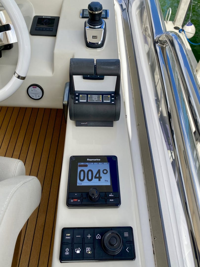 2018 Azimut 66' Flybridge Searenity II | Picture 5 of 116