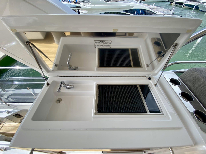2018 Azimut 66' Flybridge Searenity II | Picture 4 of 116