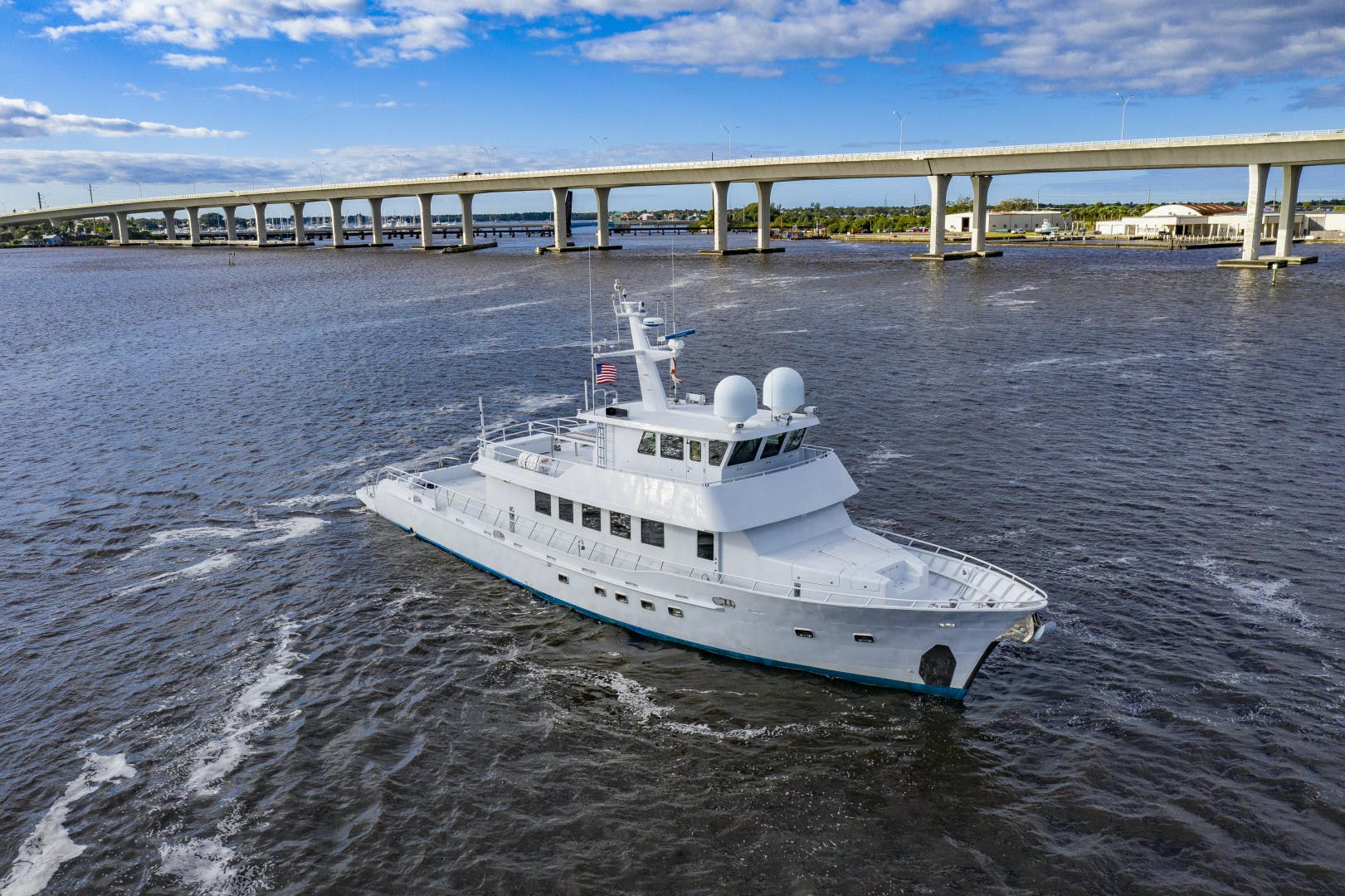 2018 GlassTech 96' Expedition Yacht Reset   Picture 6 of 81