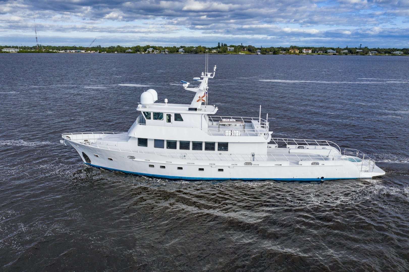 2018 GlassTech 96' Expedition Yacht Reset   Picture 1 of 81