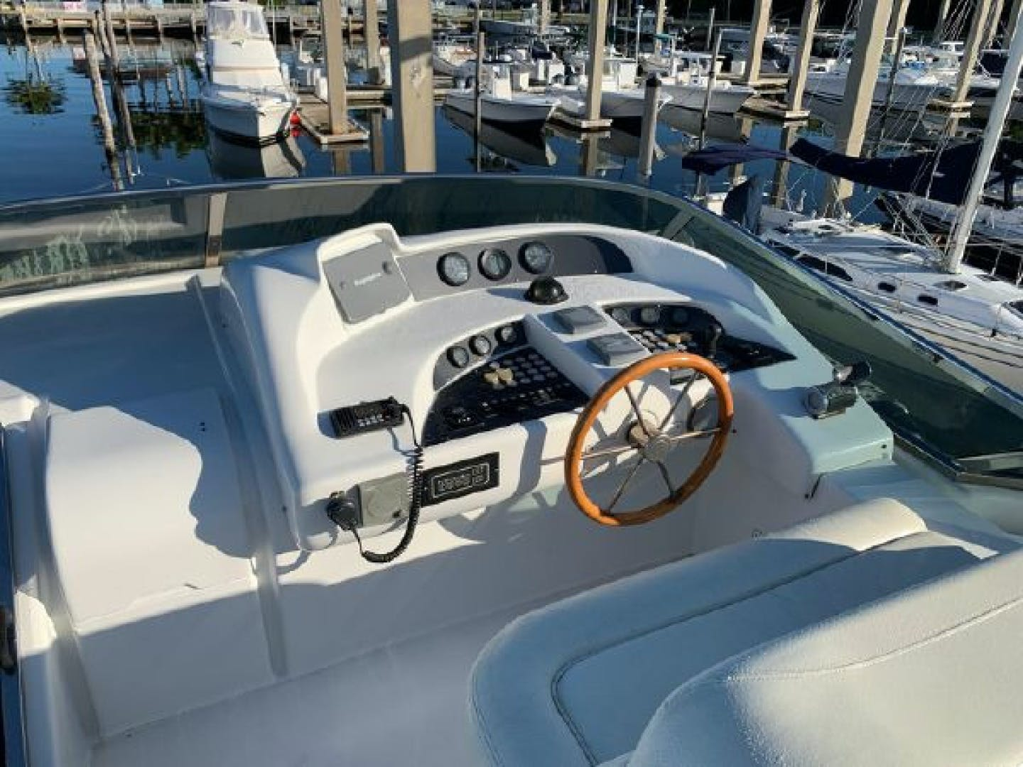 2003 Azimut 74' 74 Solar  | Picture 1 of 40