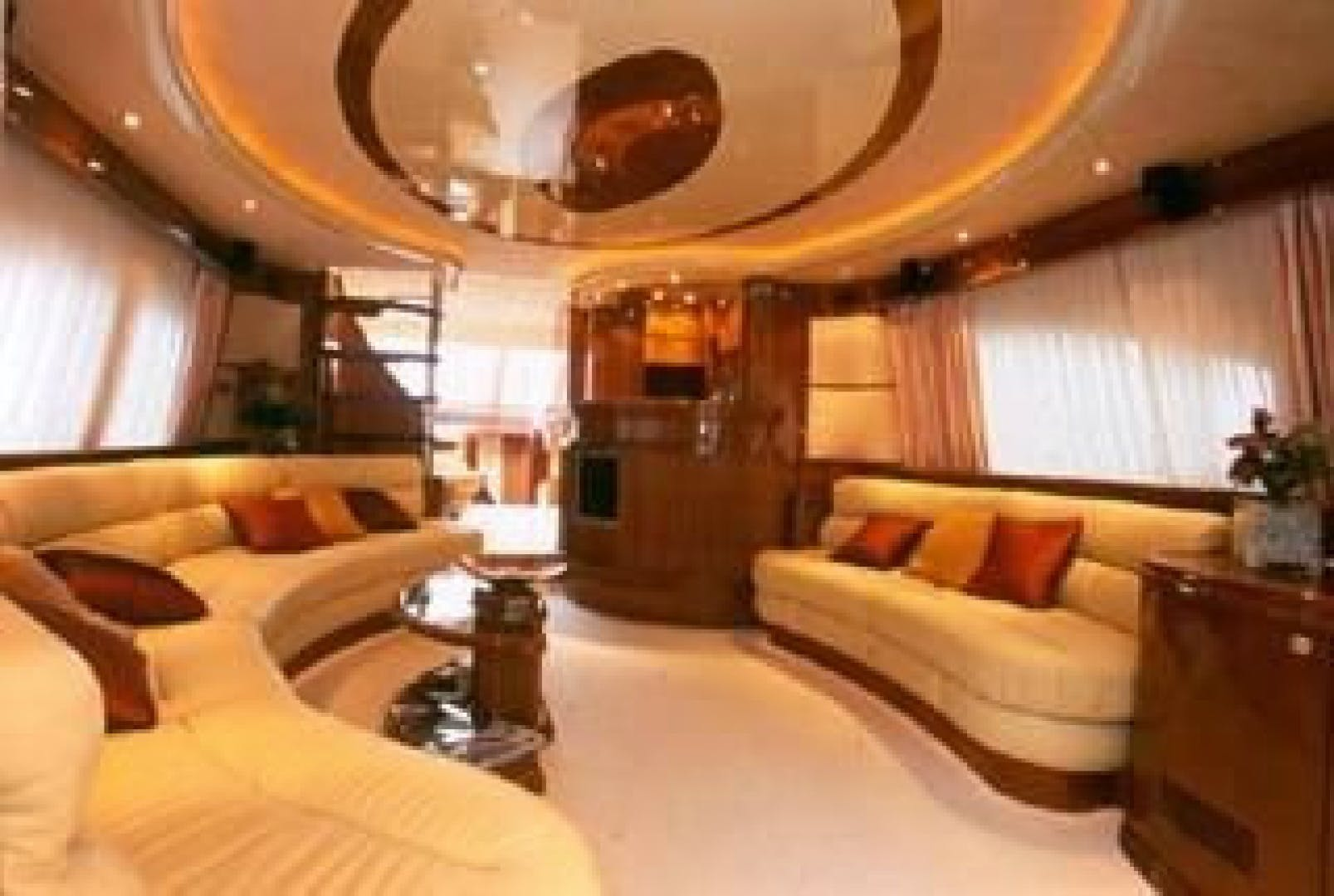 2003 Azimut 74' 74 Solar  | Picture 2 of 40
