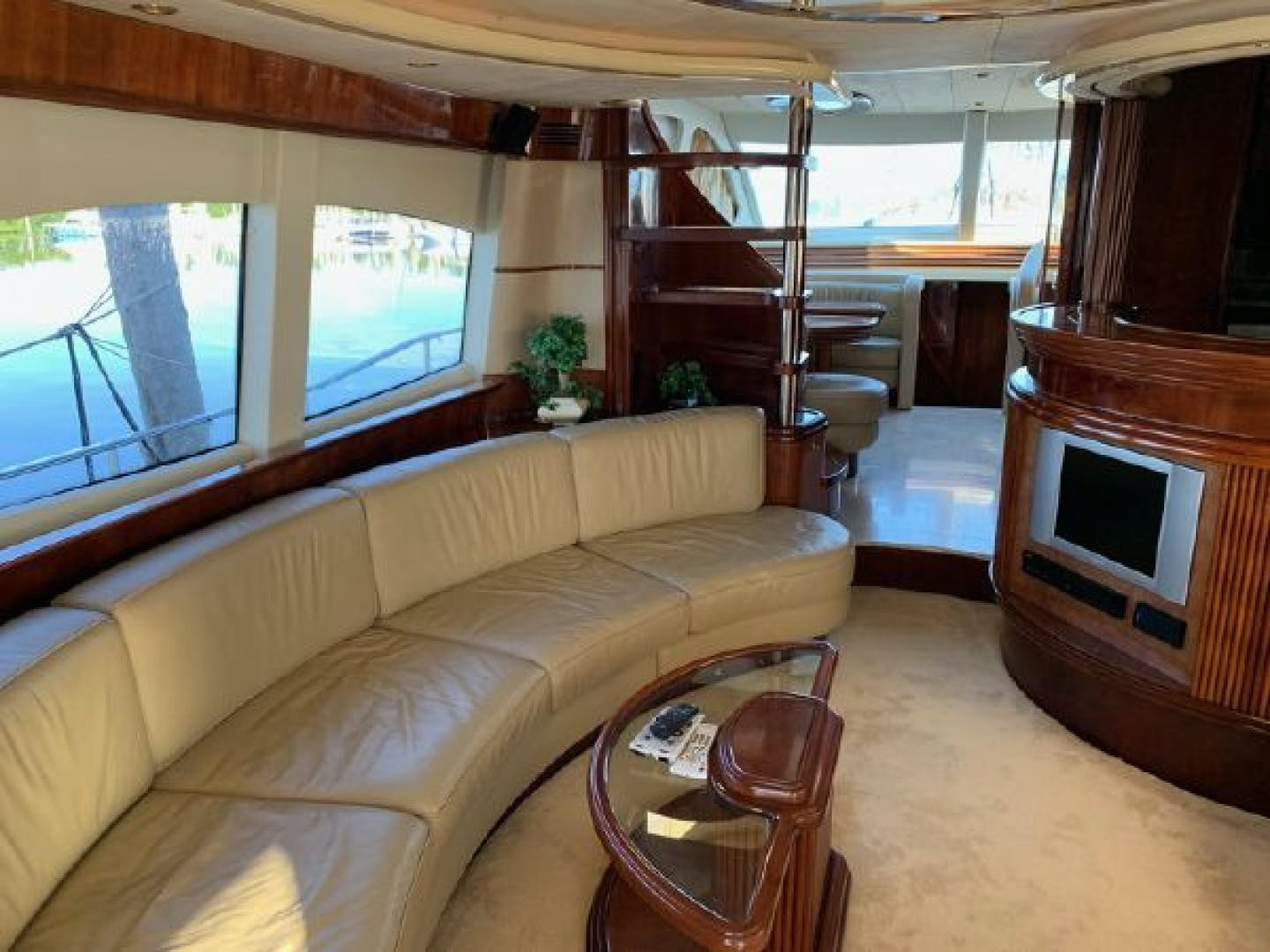 2003 Azimut 74' 74 Solar  | Picture 4 of 40