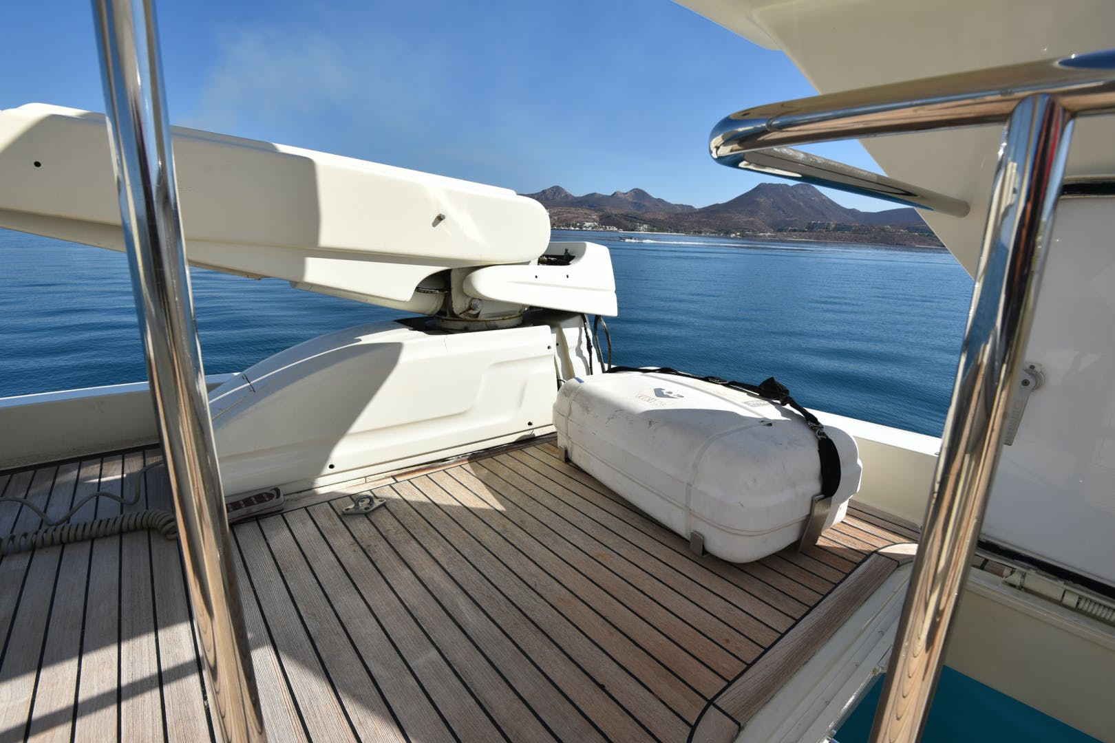 1997 Ferretti Yachts 80' 80  | Picture 7 of 36