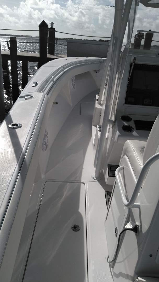2019 SeaHunter 33' 33  | Picture 4 of 32