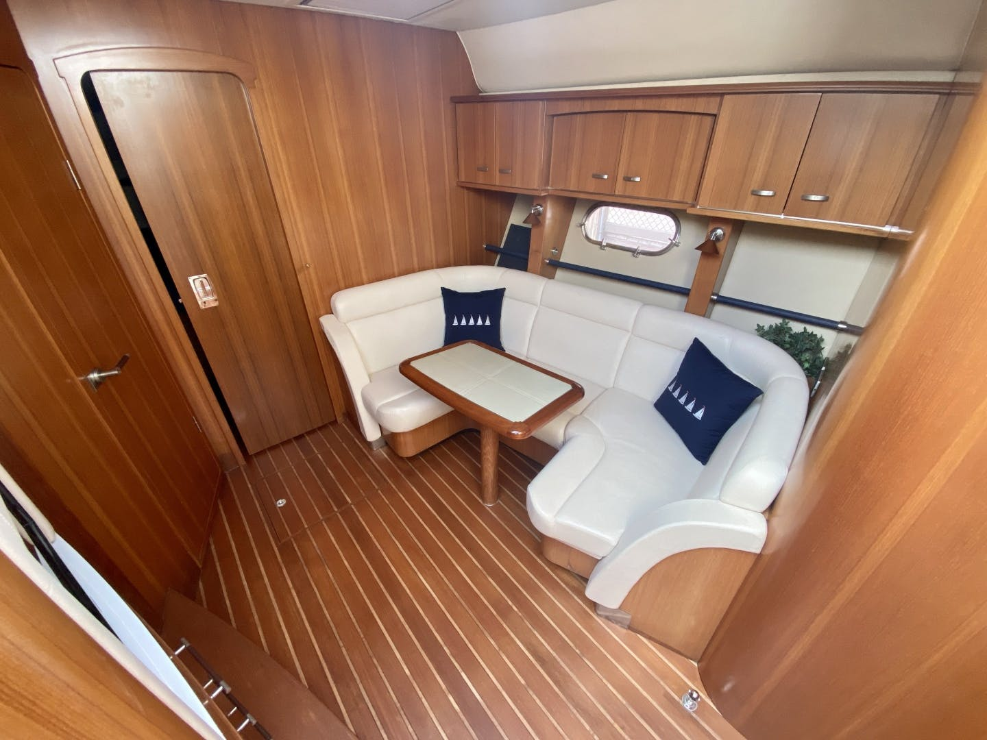 2009 Tiara Yachts 58' 5800 Sovran Eventus | Picture 7 of 14