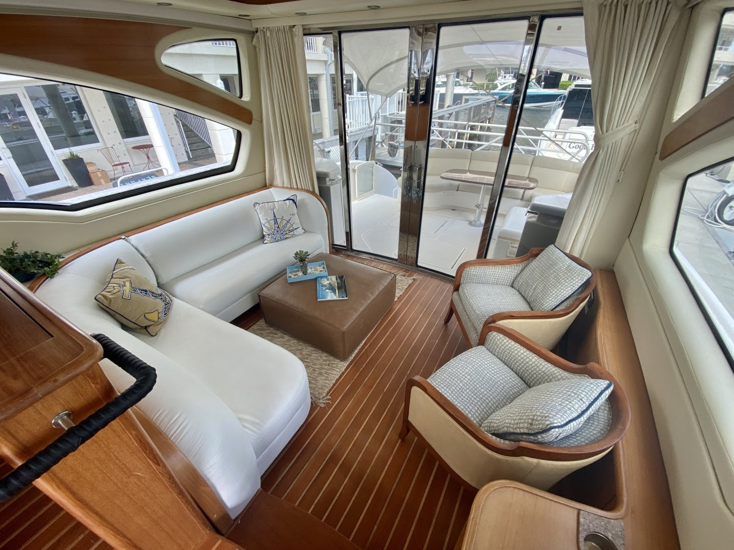 2009 Tiara Yachts 58' 5800 Sovran Eventus | Picture 4 of 14