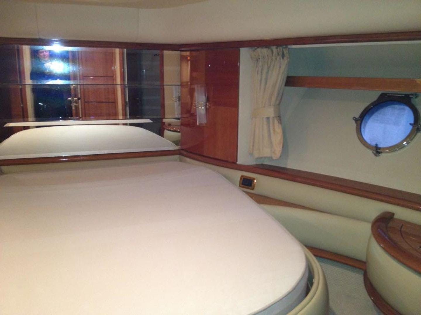 2005 Azimut 62' 62 Evolution  | Picture 8 of 17