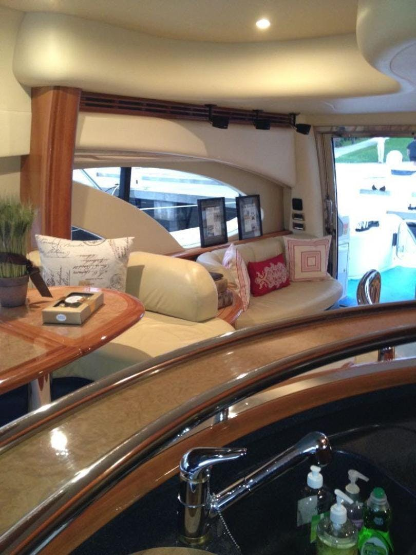 2005 Azimut 62' 62 Evolution  | Picture 2 of 17