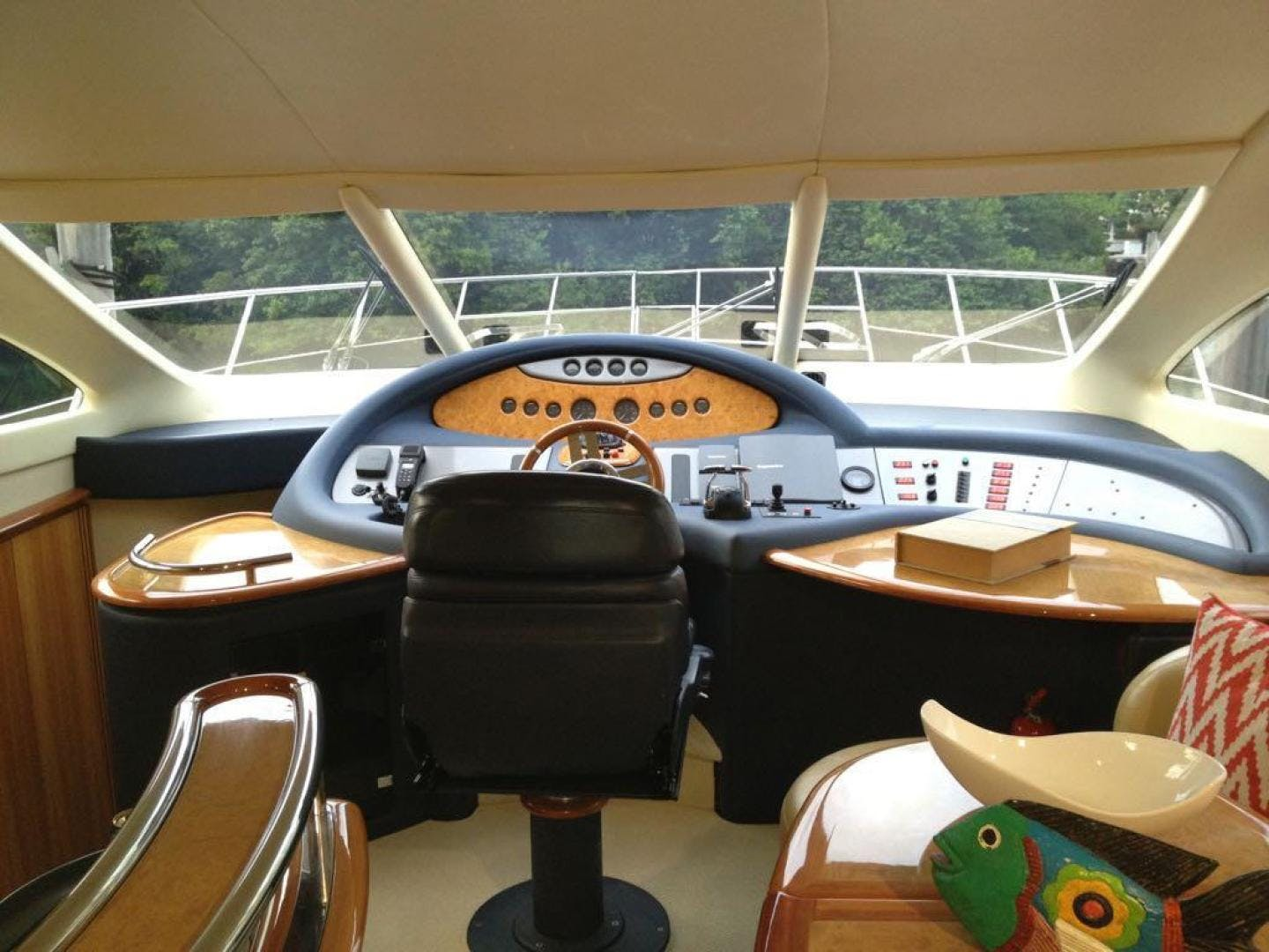 2005 Azimut 62' 62 Evolution  | Picture 4 of 17