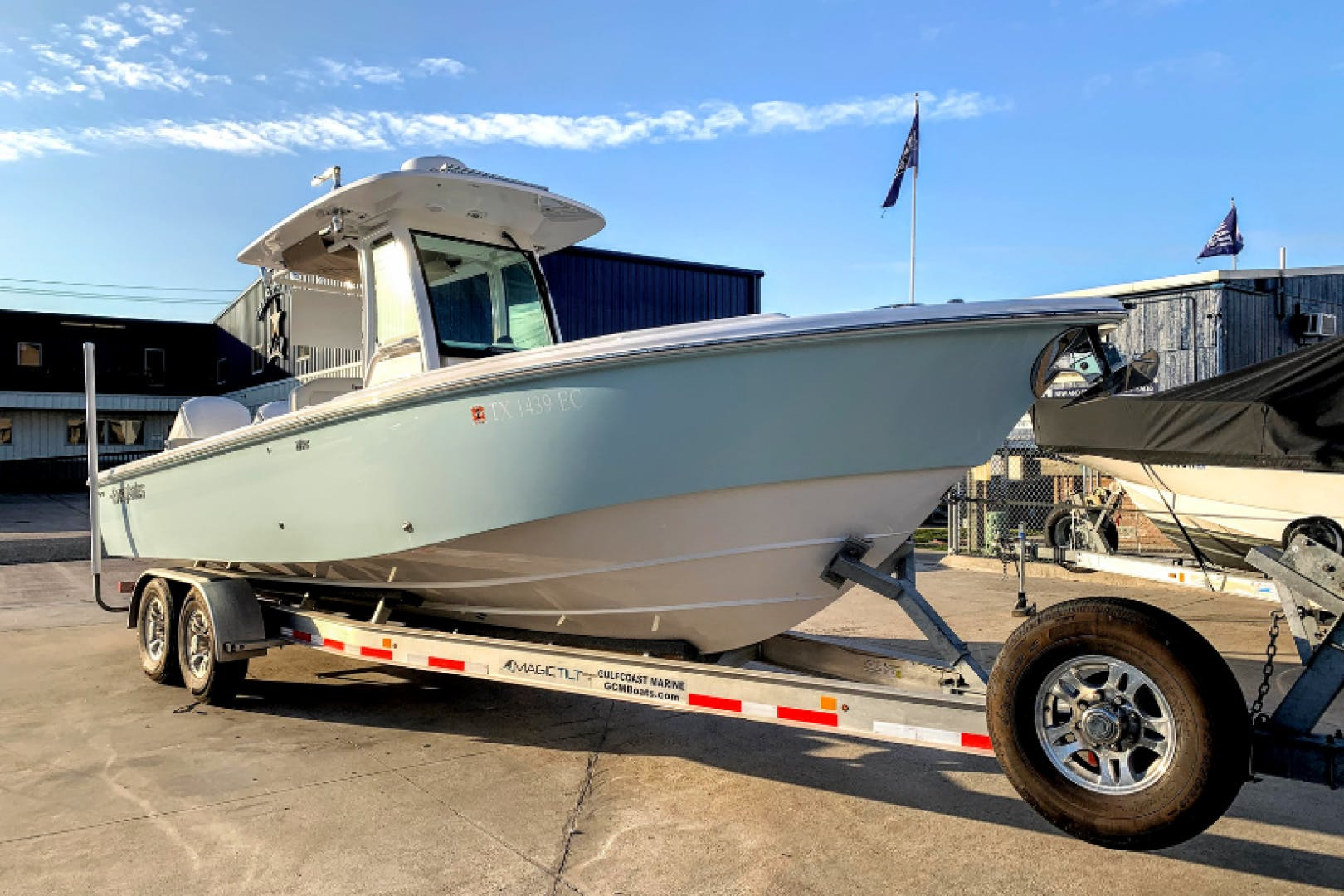 2018 Everglades 27' 273 Center Console No Name | Picture 1 of 20