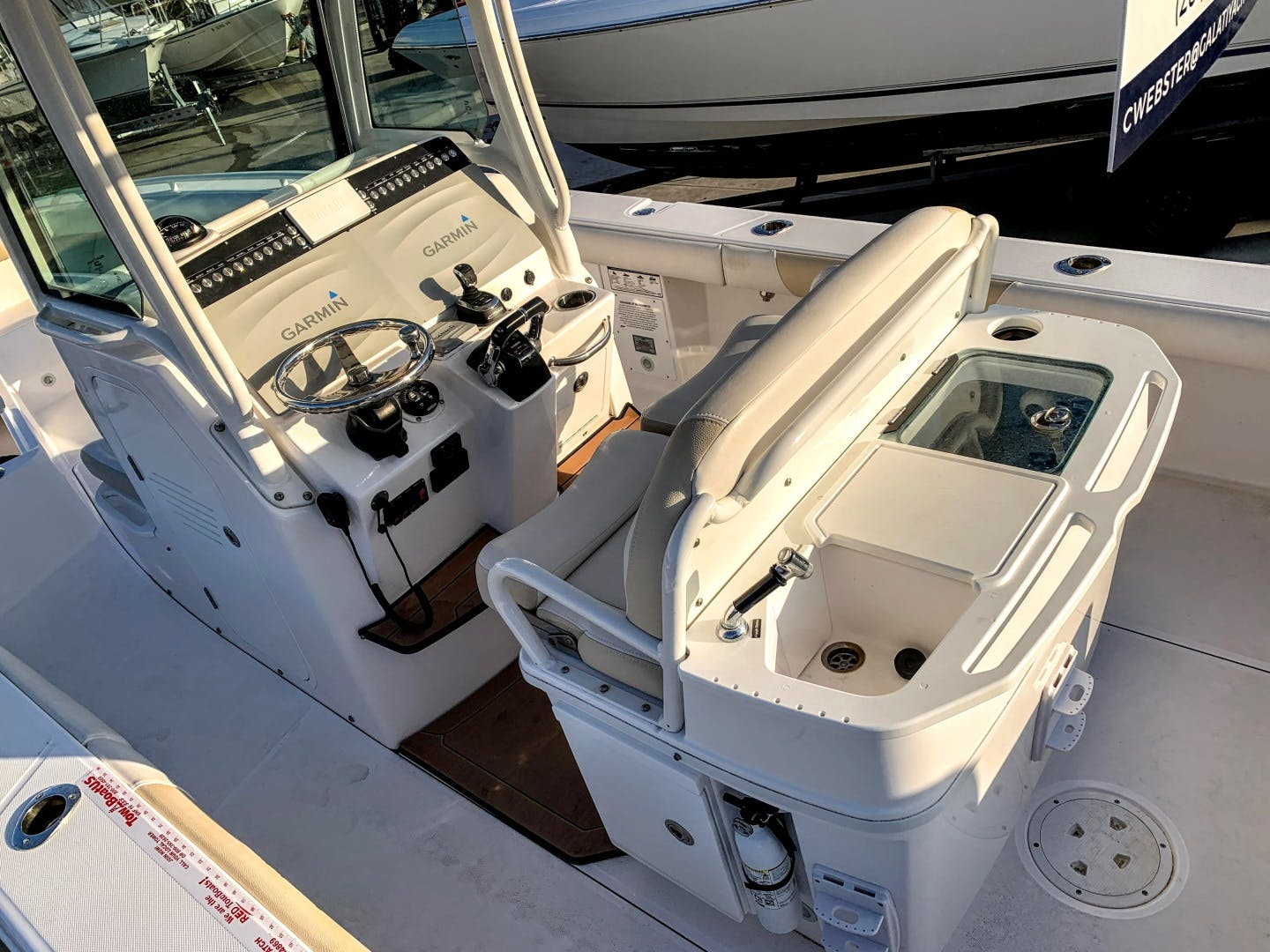 2018 Everglades 27' 273 Center Console No Name | Picture 8 of 20