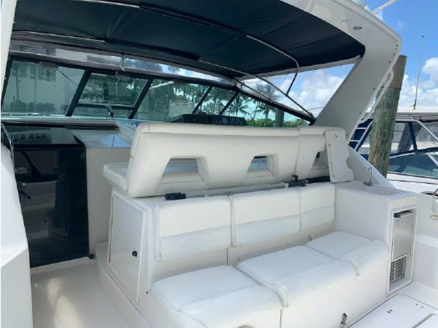 2001 Tiara Yachts 40' 4000 Express Cummins Engines  | Picture 8 of 70