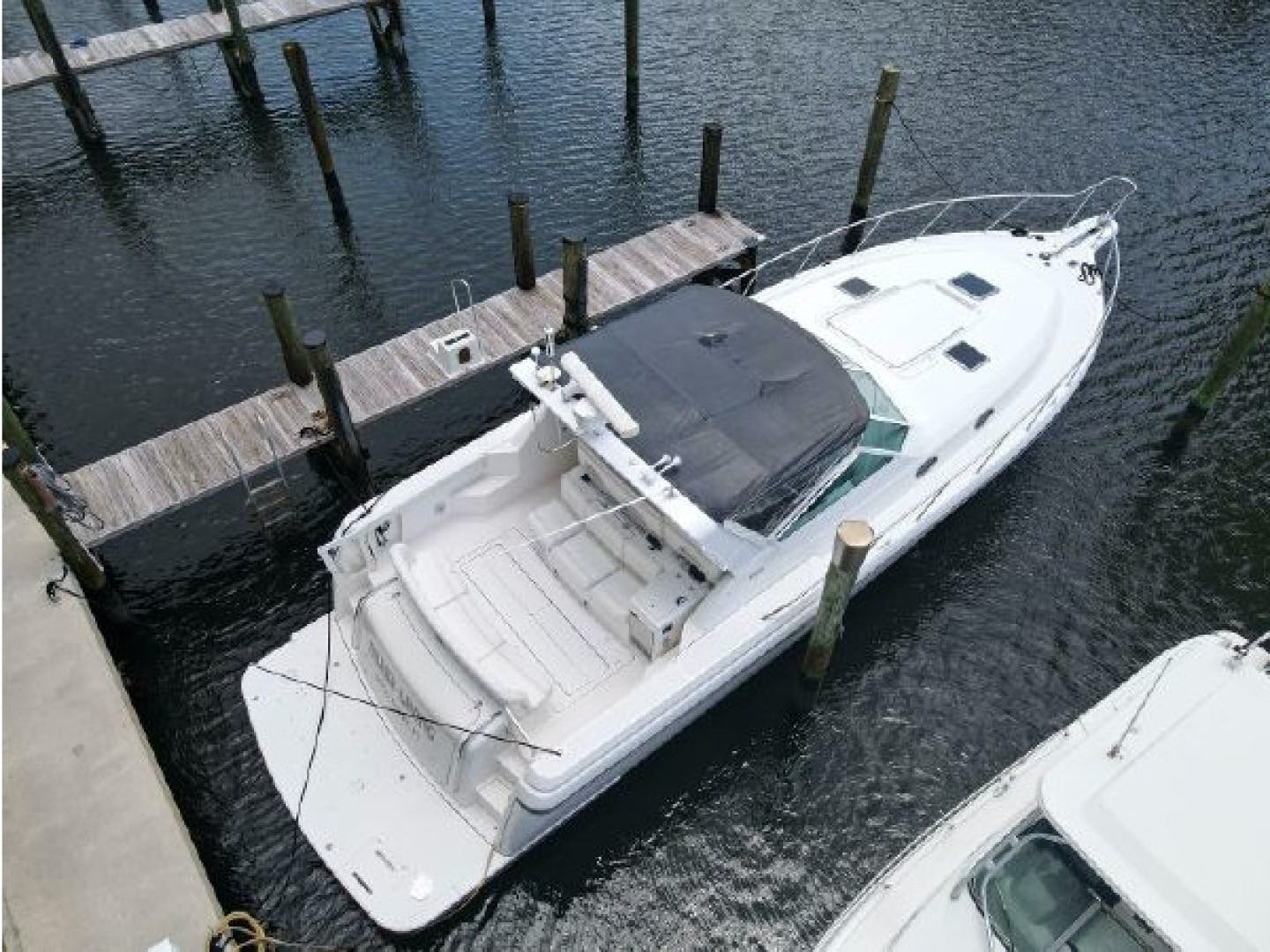 2001 Tiara Yachts 40' 4000 Express Cummins Engines  | Picture 4 of 70