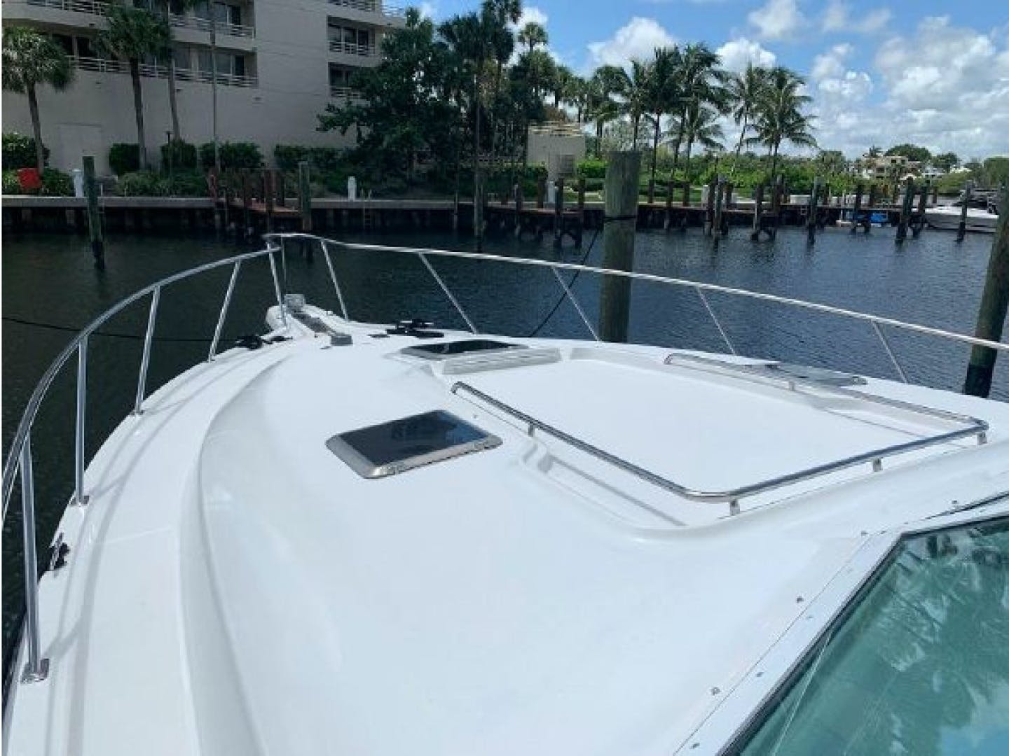 2001 Tiara Yachts 40' 4000 Express Cummins Engines  | Picture 3 of 70