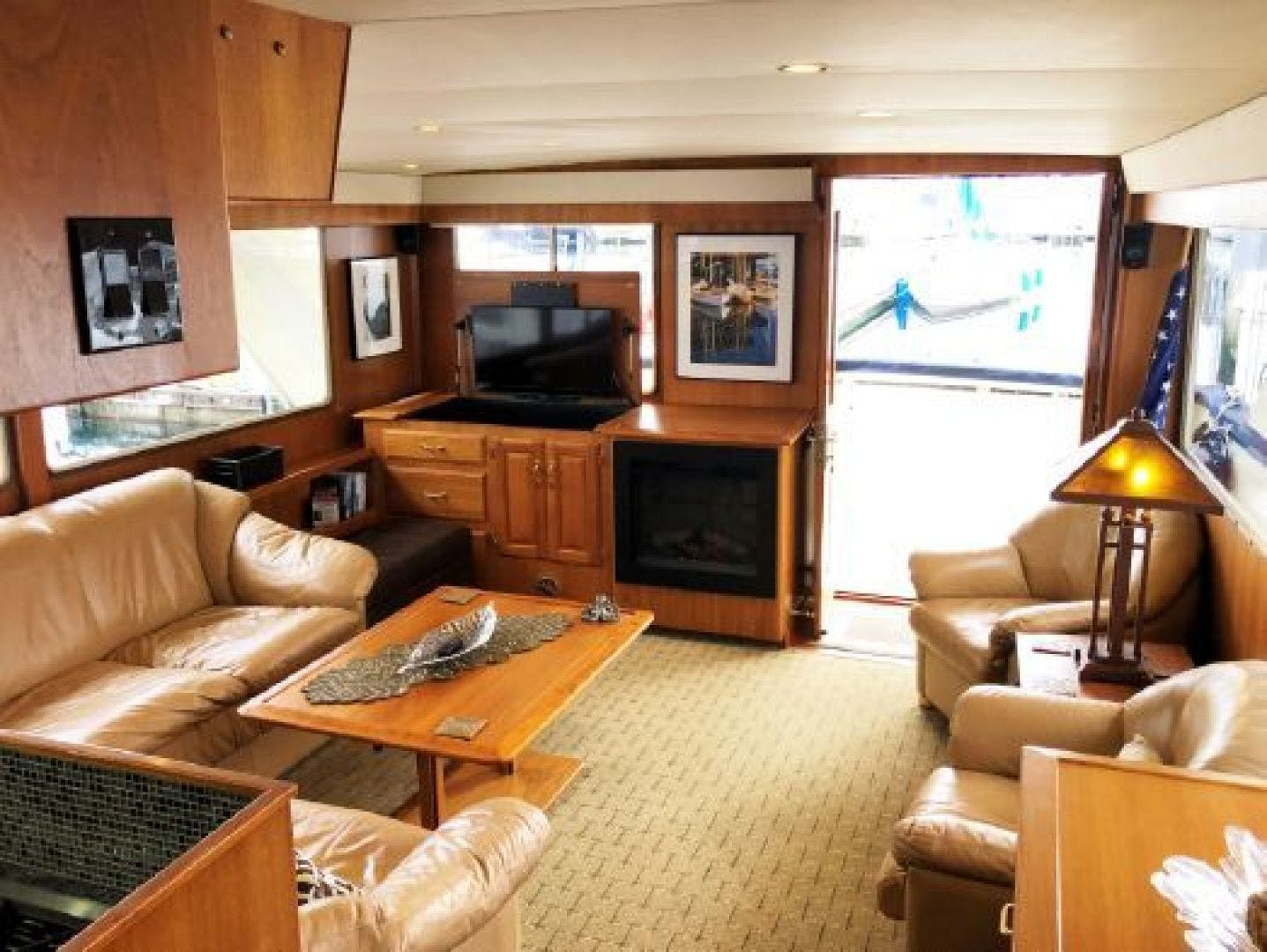 1990 Tollycraft 61' 61 Motor Yacht Graceful lady | Picture 4 of 45
