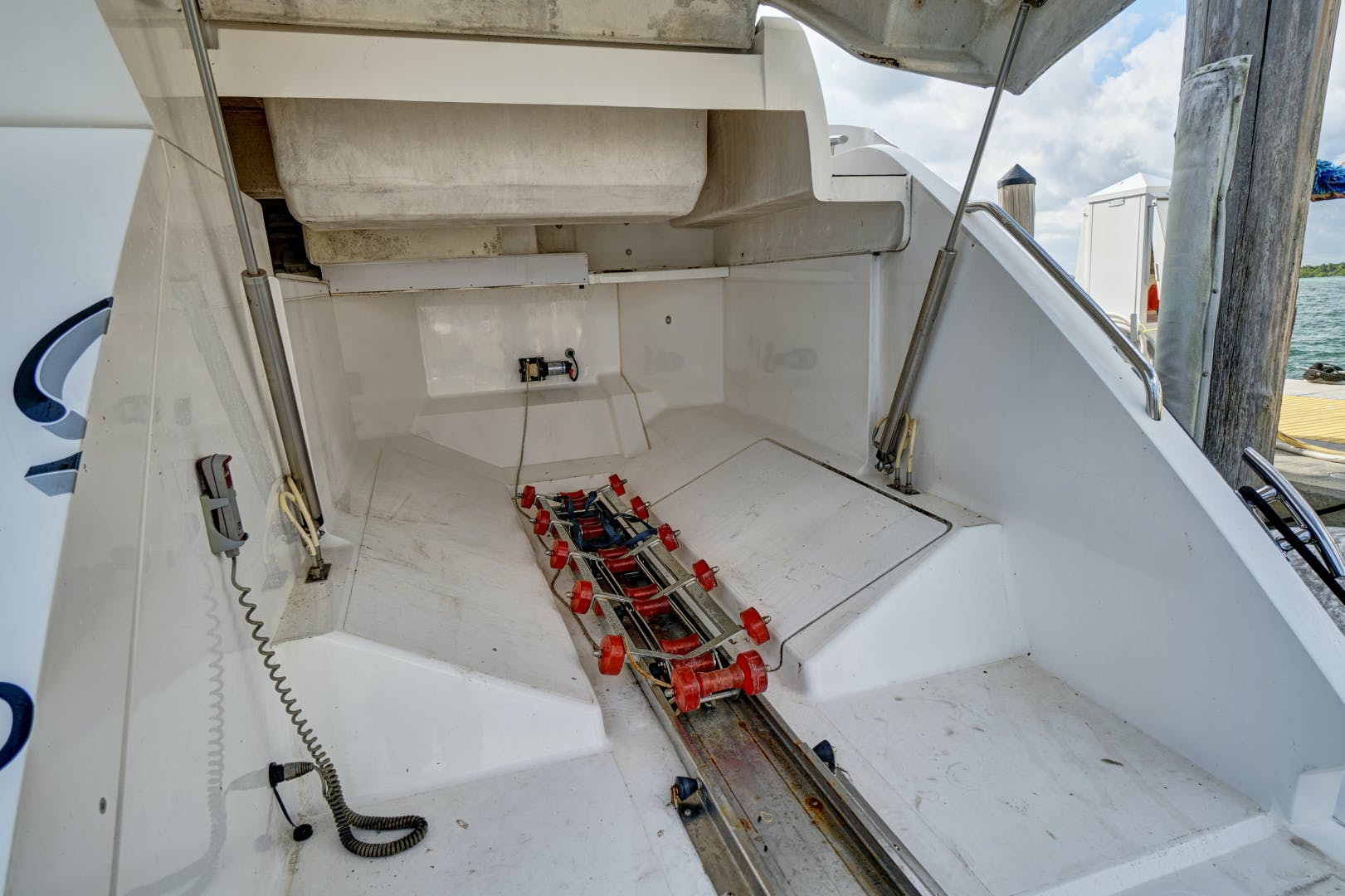 2014 Sunseeker 68' 68 Sport Yacht New Page | Picture 8 of 75