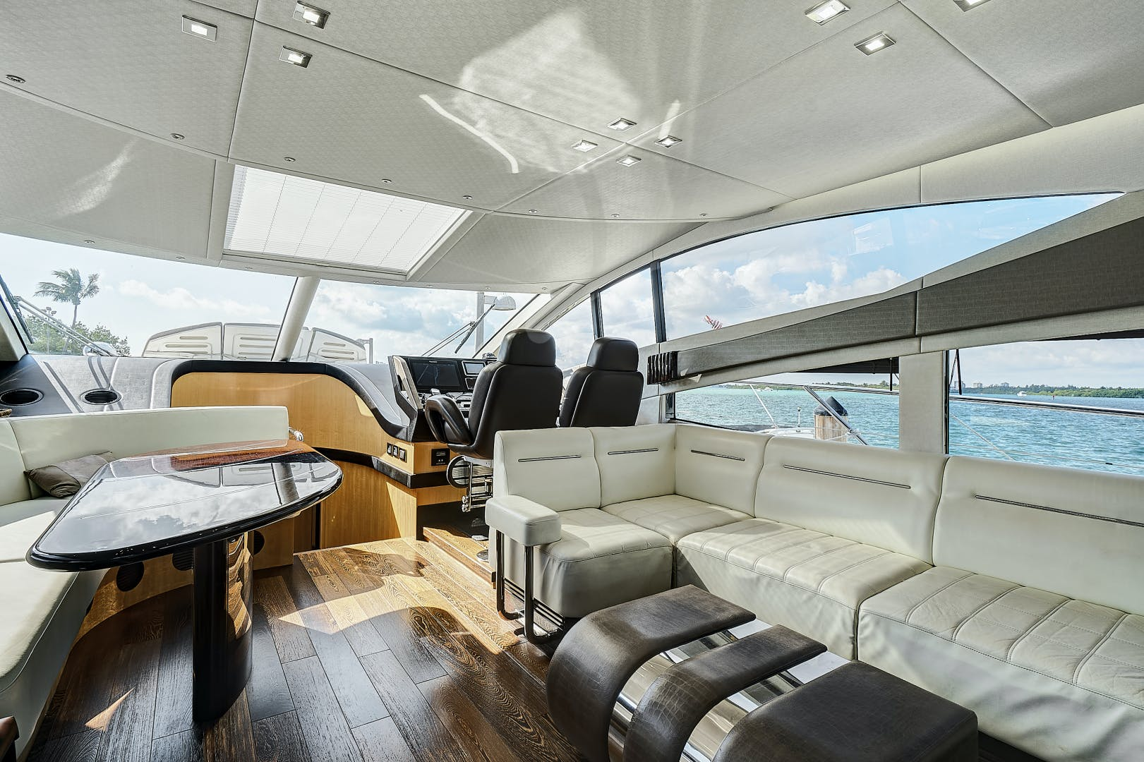 2014 Sunseeker 68' 68 Sport Yacht New Page | Picture 3 of 75