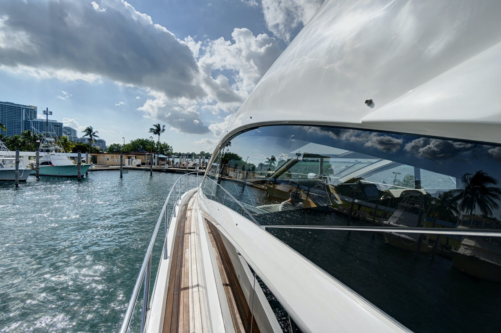 2014 Sunseeker 68' 68 Sport Yacht New Page | Picture 5 of 75