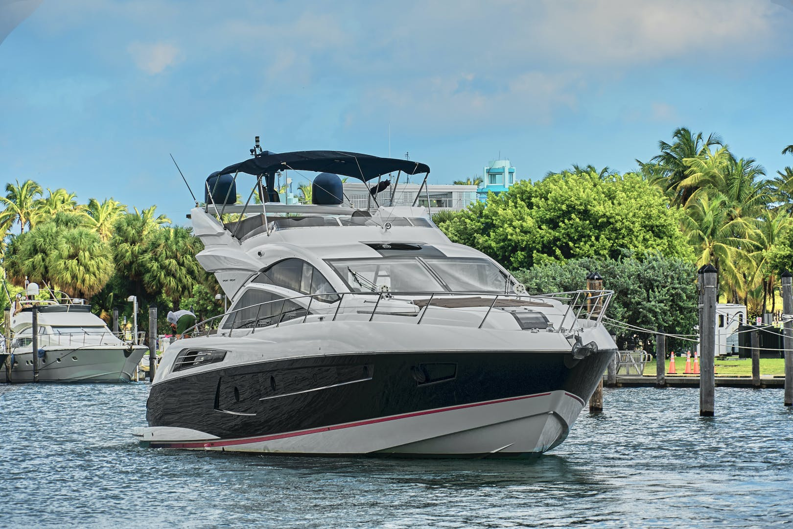 2014 Sunseeker 68' 68 Sport Yacht New Page | Picture 4 of 75