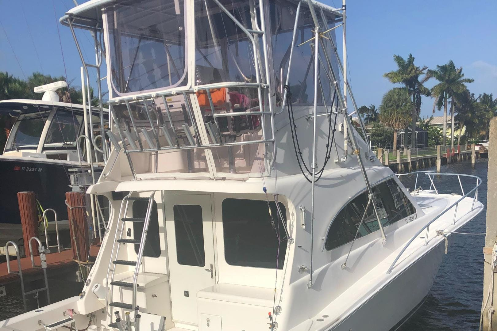 2002 Luhrs 40'     Picture 1 of 20
