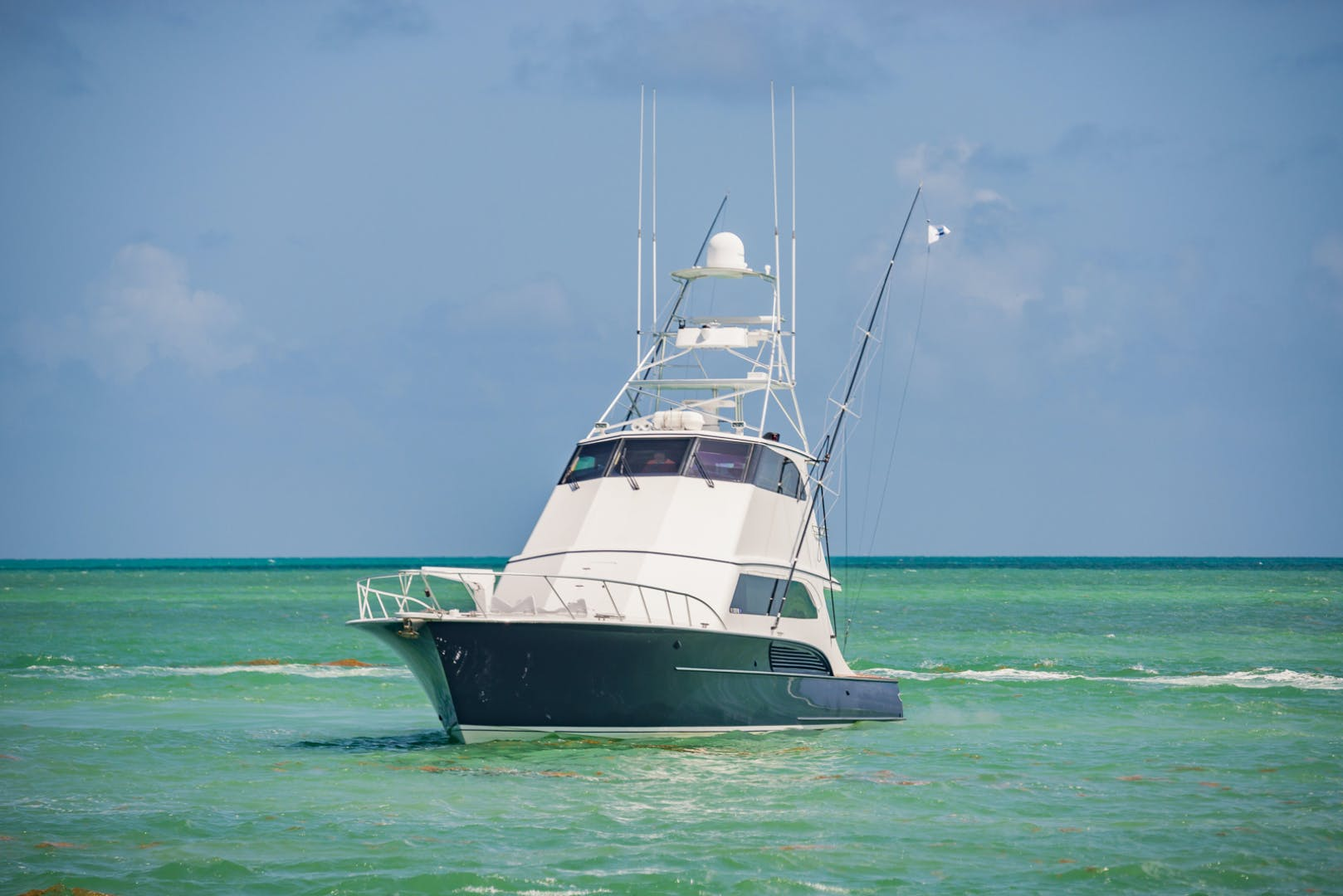 2001 Buddy Davis 61' 61 Sportfish Enclosed Pilothouse Don Don  | Picture 2 of 45