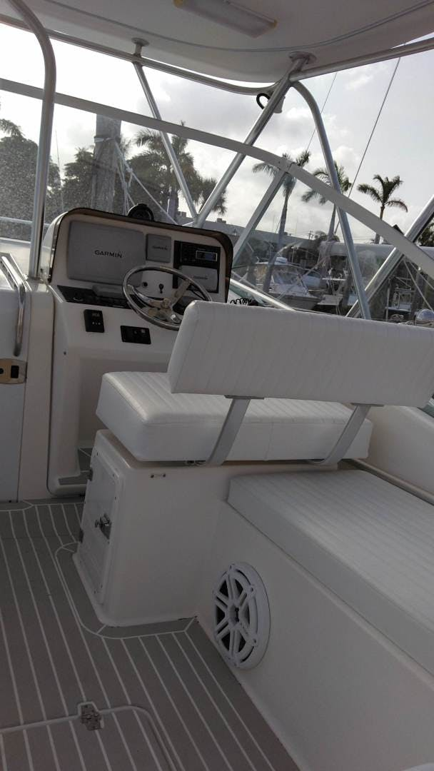 2007 Luhrs 34' 31 Open    Picture 8 of 18