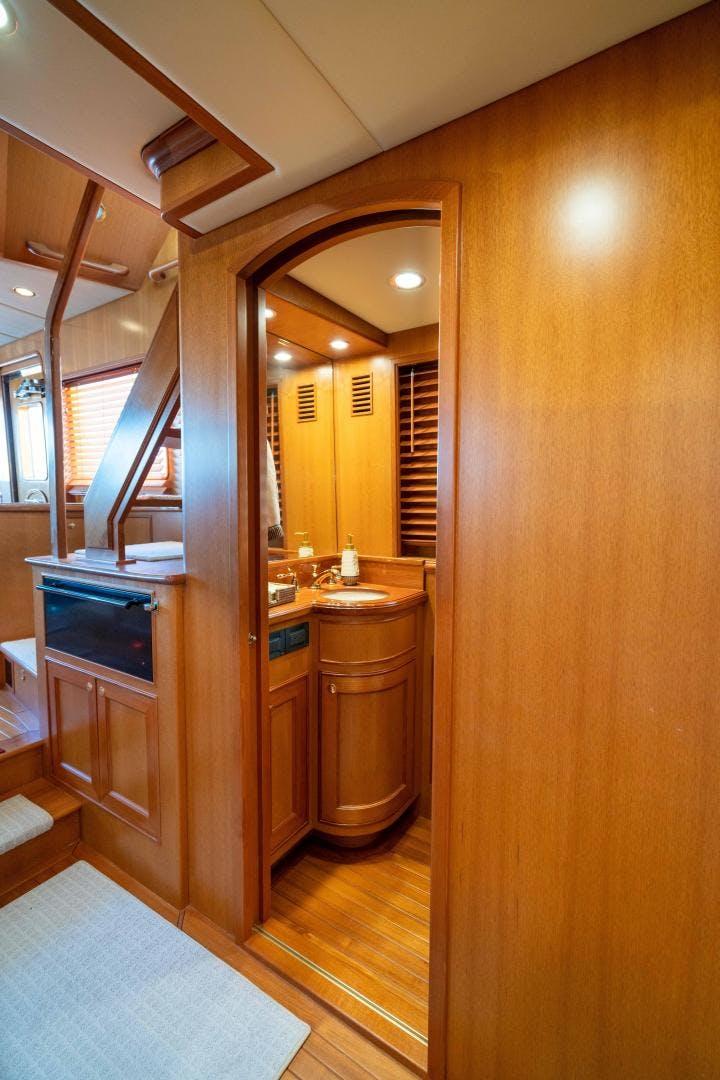 2009 Offshore Yachts 64'  LESTIQUE | Picture 6 of 91