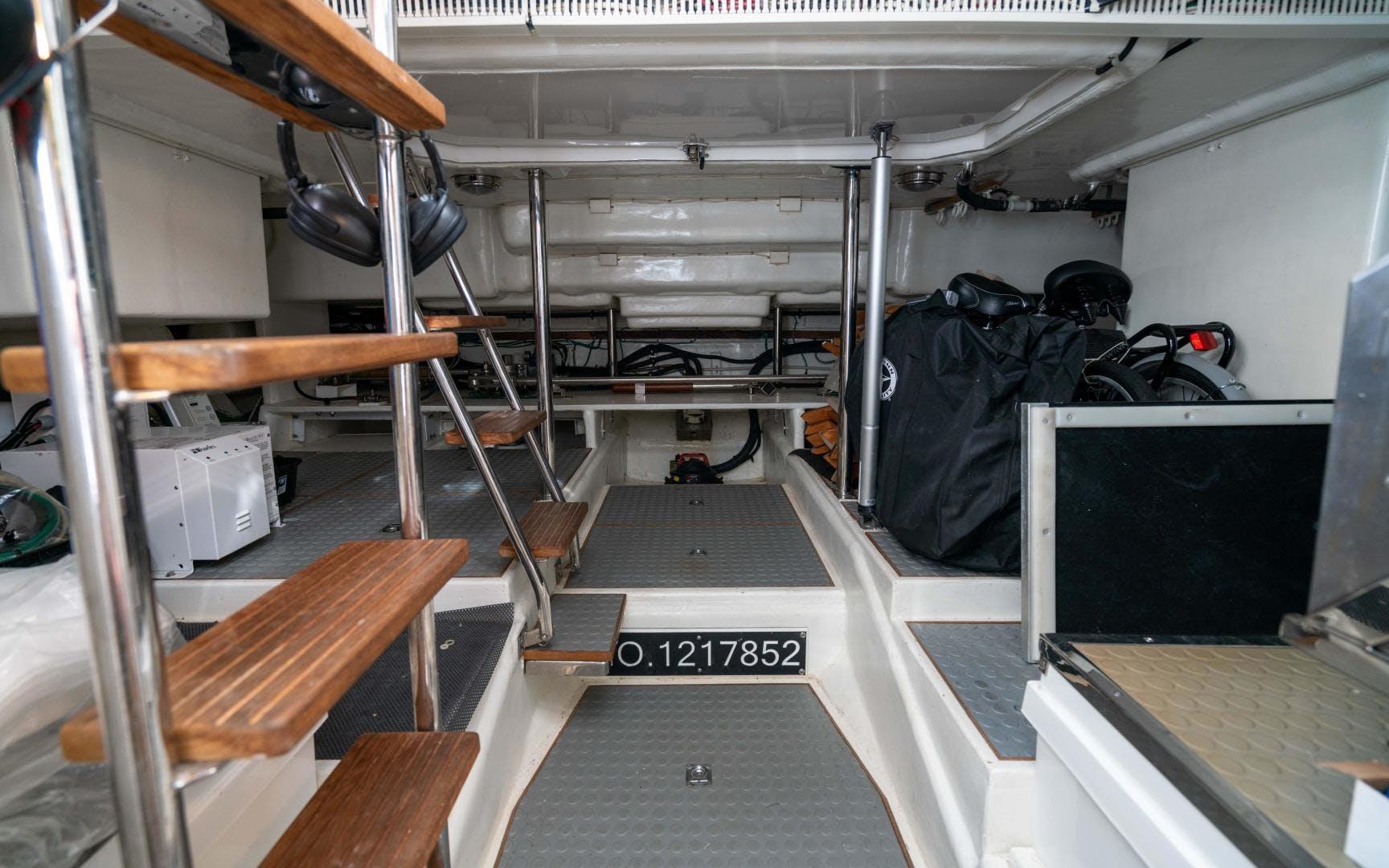 2009 Offshore Yachts 64'  LESTIQUE | Picture 5 of 91