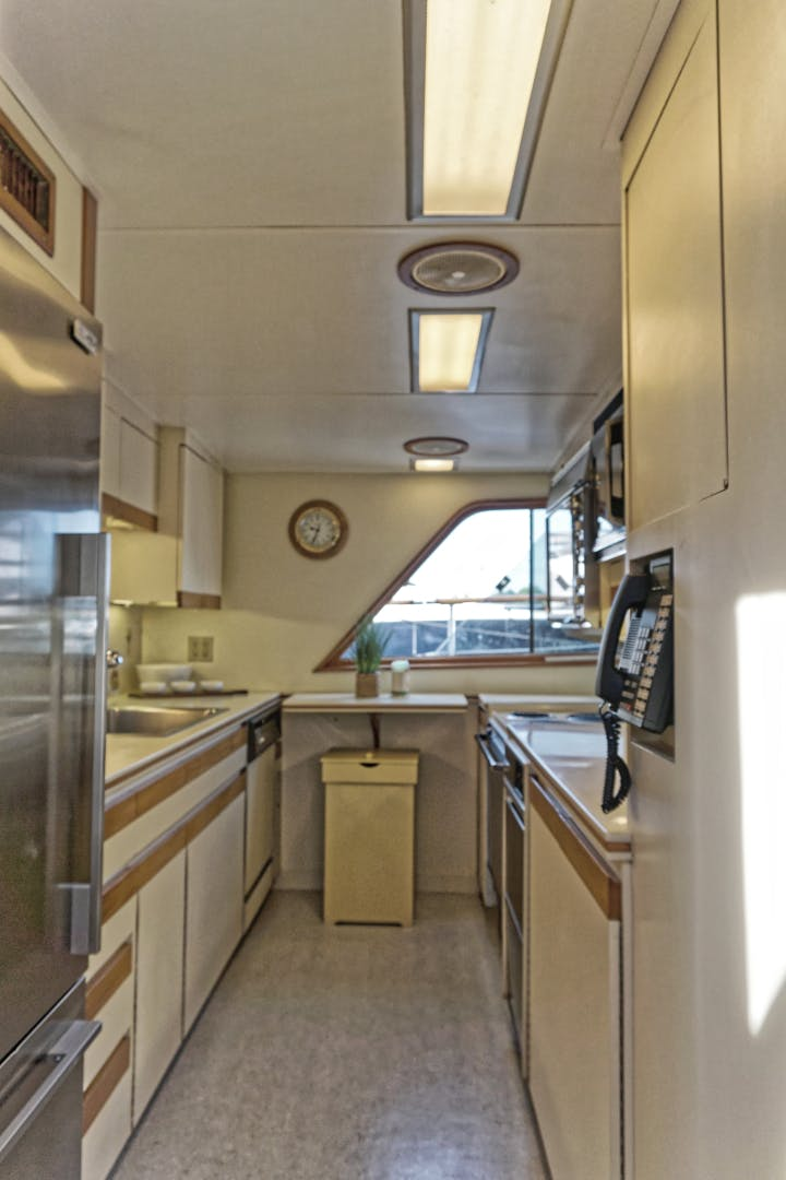 1986 Burger 88' Motor Yacht Encore | Picture 8 of 50