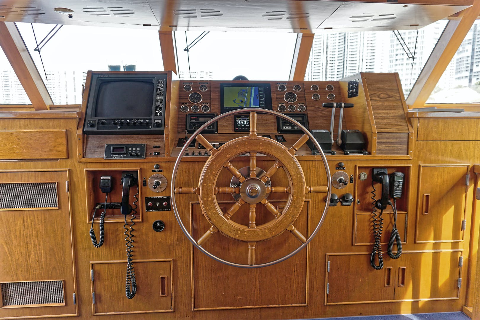 1986 Burger 88' Motor Yacht Encore | Picture 4 of 50