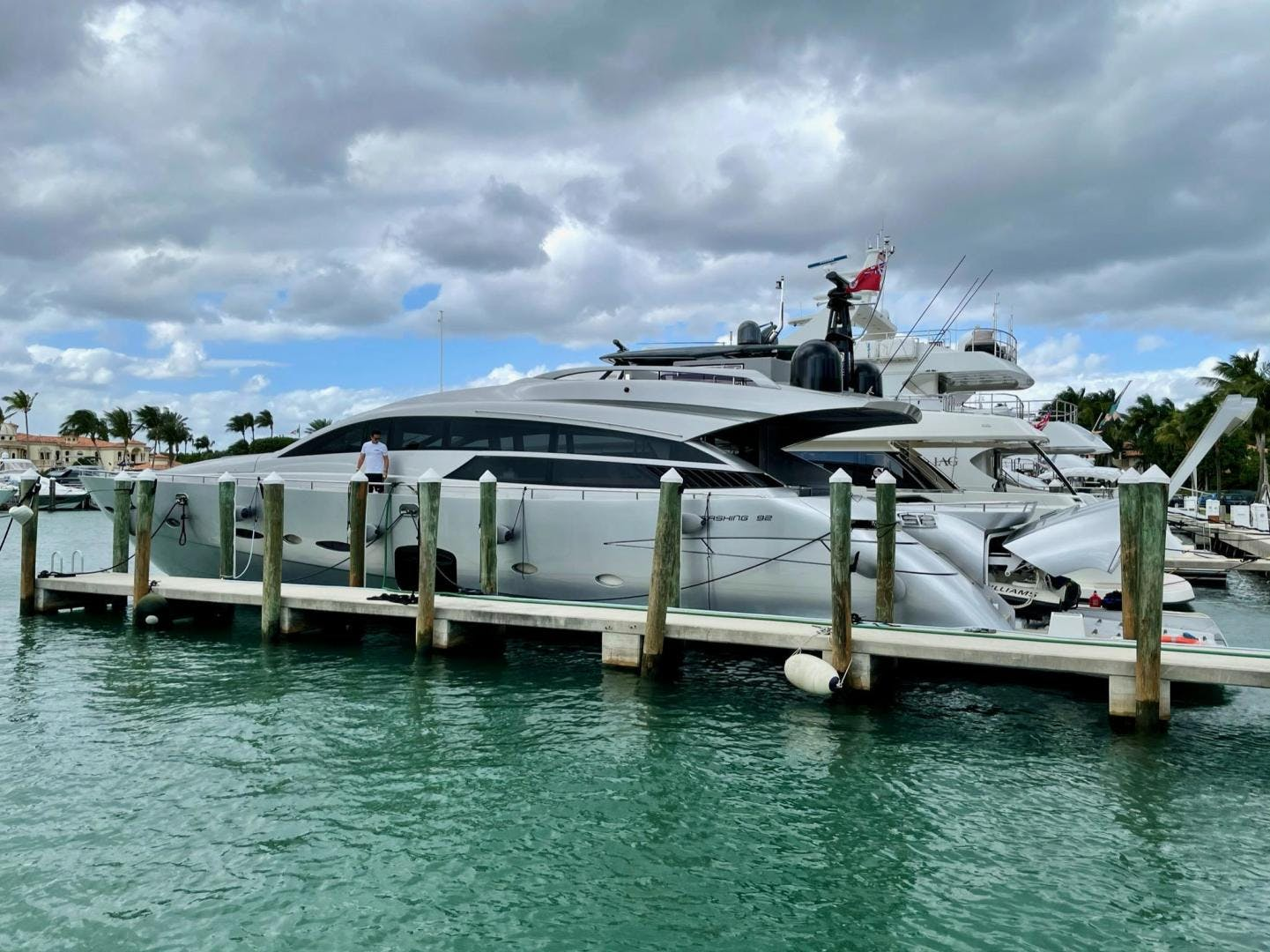 2013 Pershing 92'     Picture 4 of 53