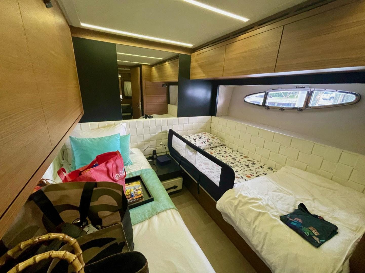 2013 Pershing 92'     Picture 5 of 53