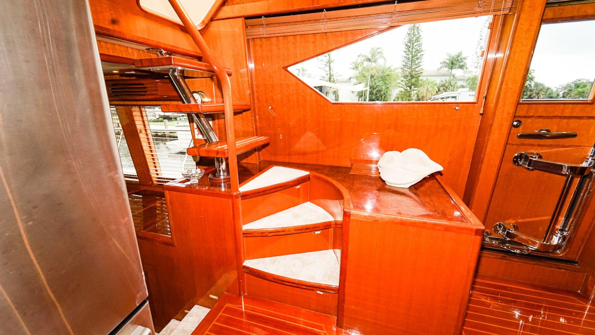 2008 Hampton 63' Skylounge Maverick   Picture 2 of 60