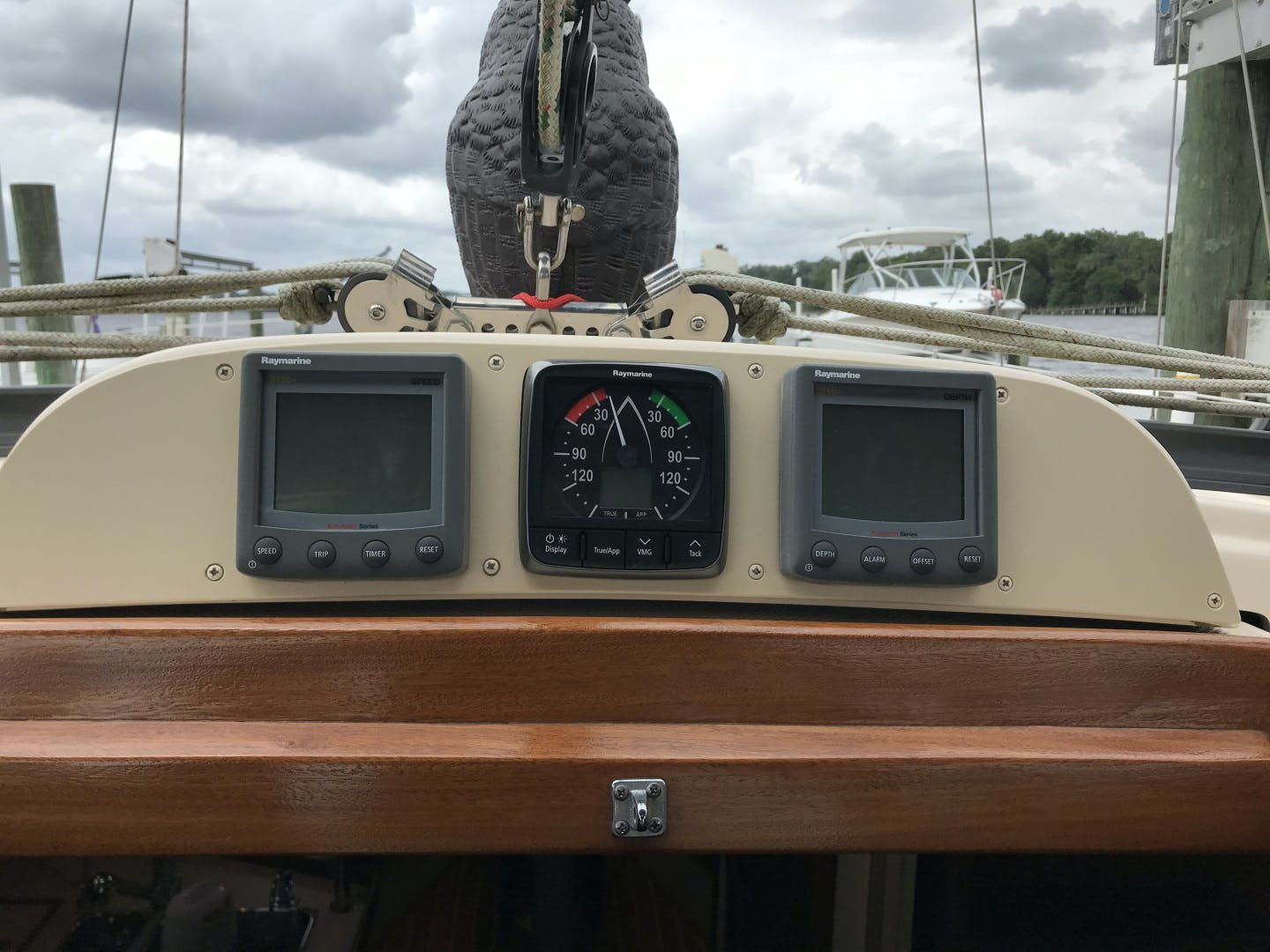 2010 Island Packet 38' Estero Withheld | Picture 5 of 17