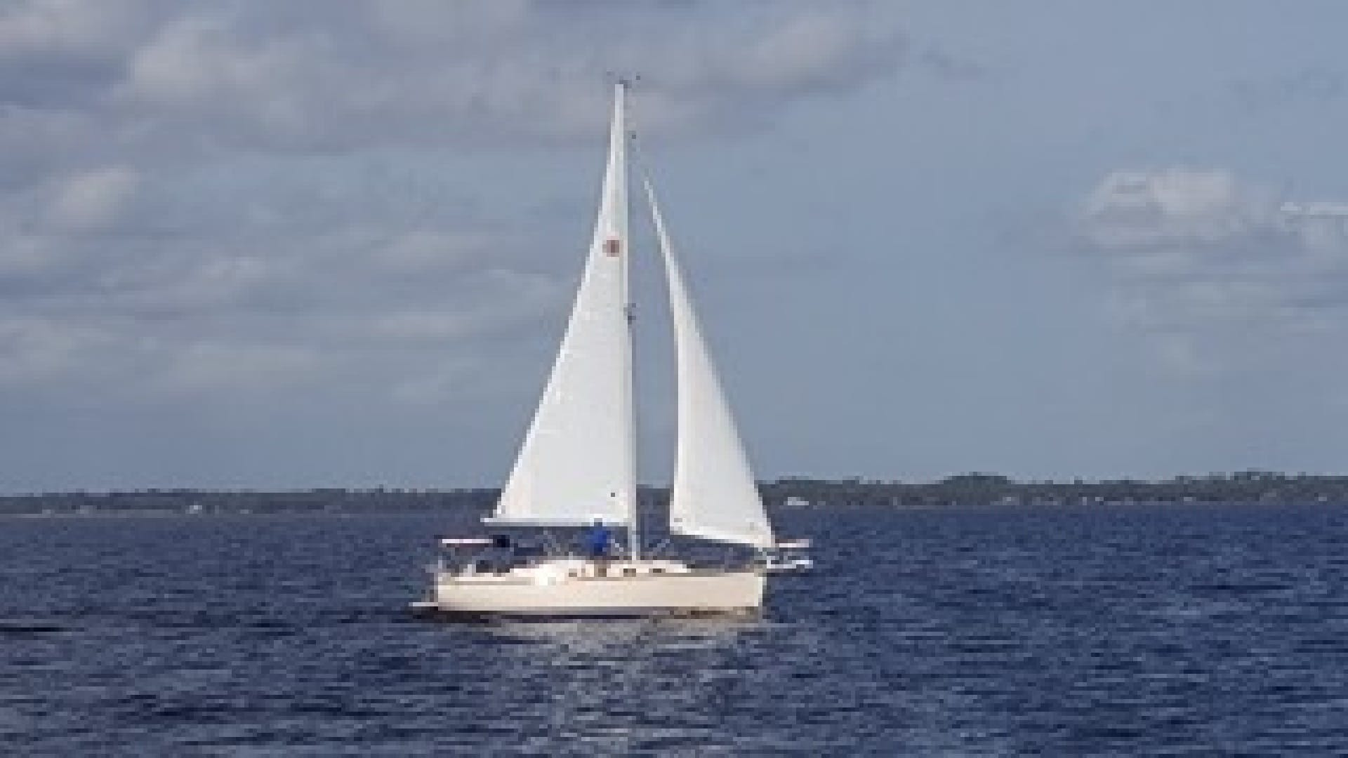 2010 Island Packet 38' Estero Withheld | Picture 6 of 17