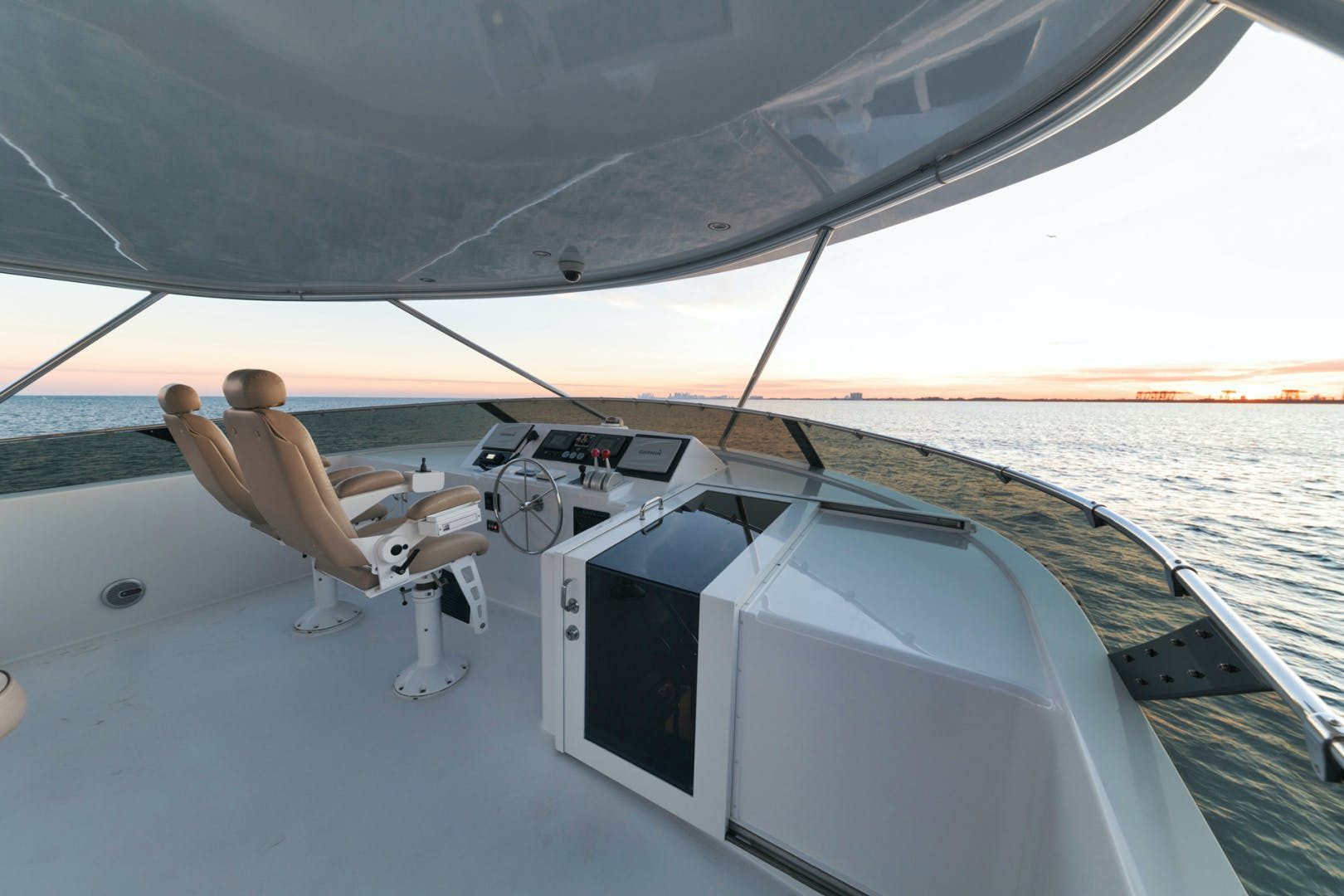 2002 Hatteras 75' N/A ISLAND GIRL | Picture 7 of 44